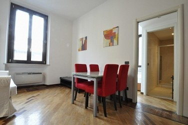 One Bedroom Flat with small balcony next to Bocconi