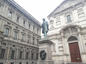High quality office spaces in Piazza San Fedele, top location