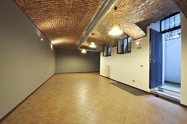 Office Space along Via Vigevano, internal courtyard