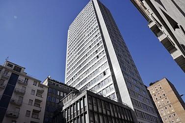 Recently renovated office space within the tallest skyscraper in Piazza della Repubblica