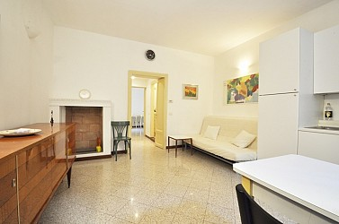 One Bedroom flat in Casa a Ringhiera along Corso San Gottardo