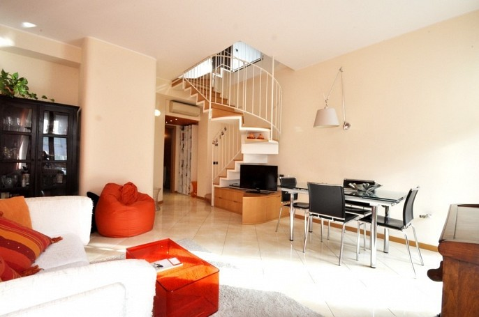 Brera Rent: Architect designed two bedrooms flat in the Bocconi Area