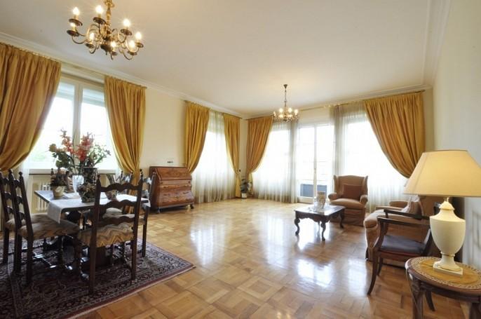 Flatmi: Appartamento ristrutturato con tre camere da letto in Piazza della Repubblica