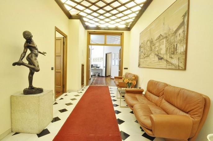 Office Rent Milan: Ufficio di prestigio in Piazza della Repubblica