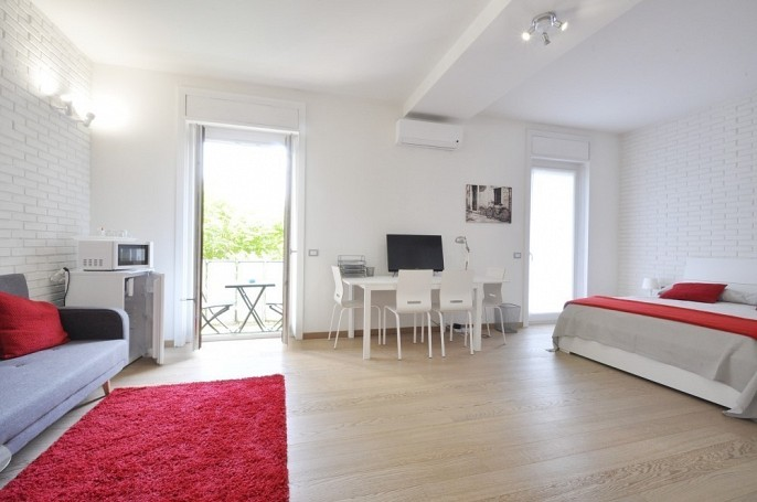 Brera Rent: Large flat with 4 independent suites and a shared kitchen