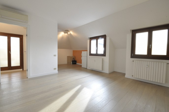 Brera Rent: One Bedroom penthouse in Corso Indipendenza