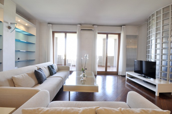 Brera Rent: Luxury Two Bedrooms flat in San Siro