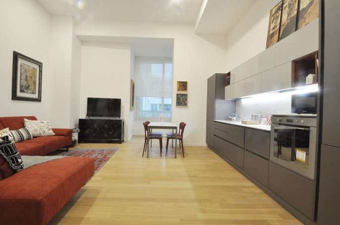 Brera Rent: Luxury flat with high ceilings renovated by architect