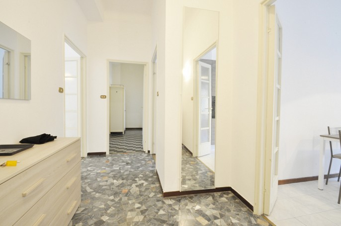 Brera Rent: Flat with three bedrooms located at the third floor of an elegant building in Corso Italia
