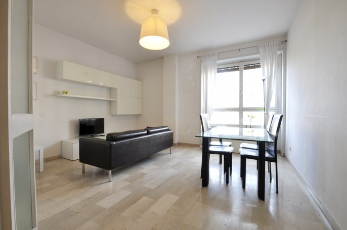 Brera Rent: Furnished Two Bedrooms flat along the Navigli