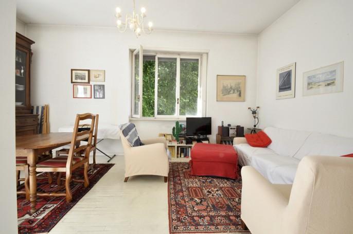 Brera Rent: One Bedroom flat with balcony in the Darsena area of Navigli