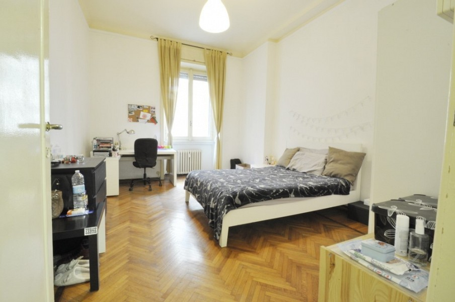 Three Bedrooms Flat few steps from Bocconi