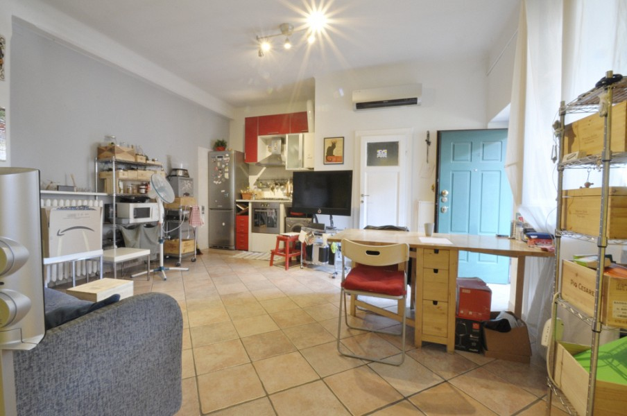 One Bedroom flat in traditional