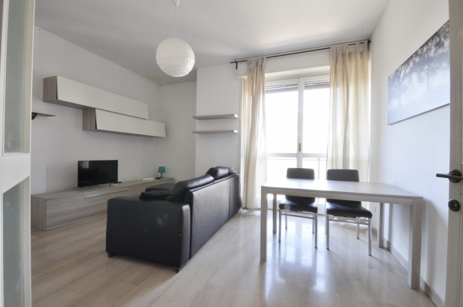 Two Bedrooms flat with separate kitchen along the Navigli