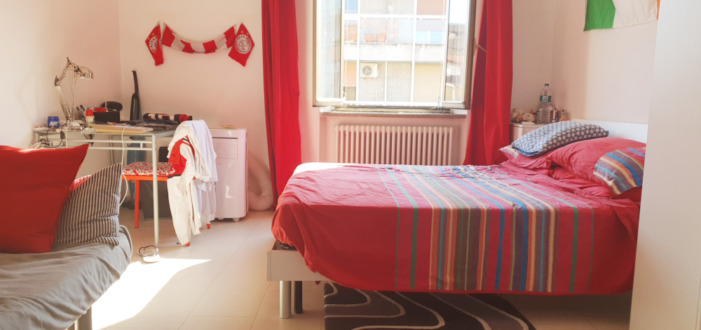One Bedroom flat at the top floor of a building few steps from Bocconi