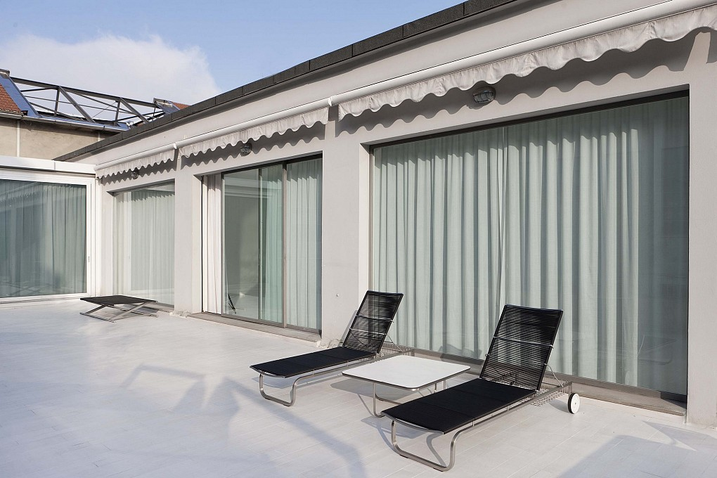 Office Rent Milan: Office-showroom at the top floor with large terrace