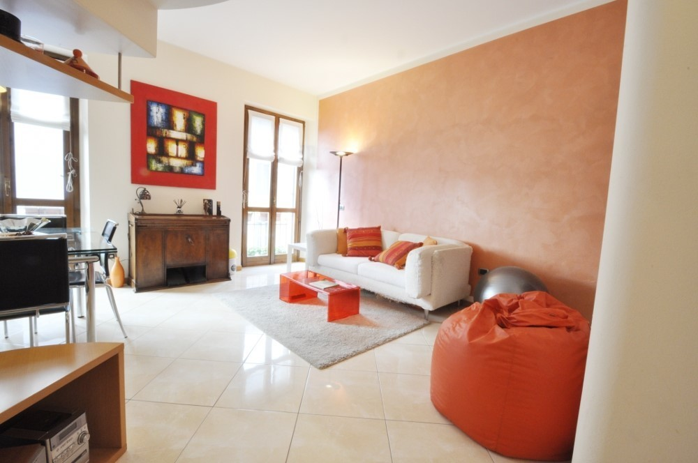 BocconiRent: Architect designed two bedrooms flat in the Bocconi Area