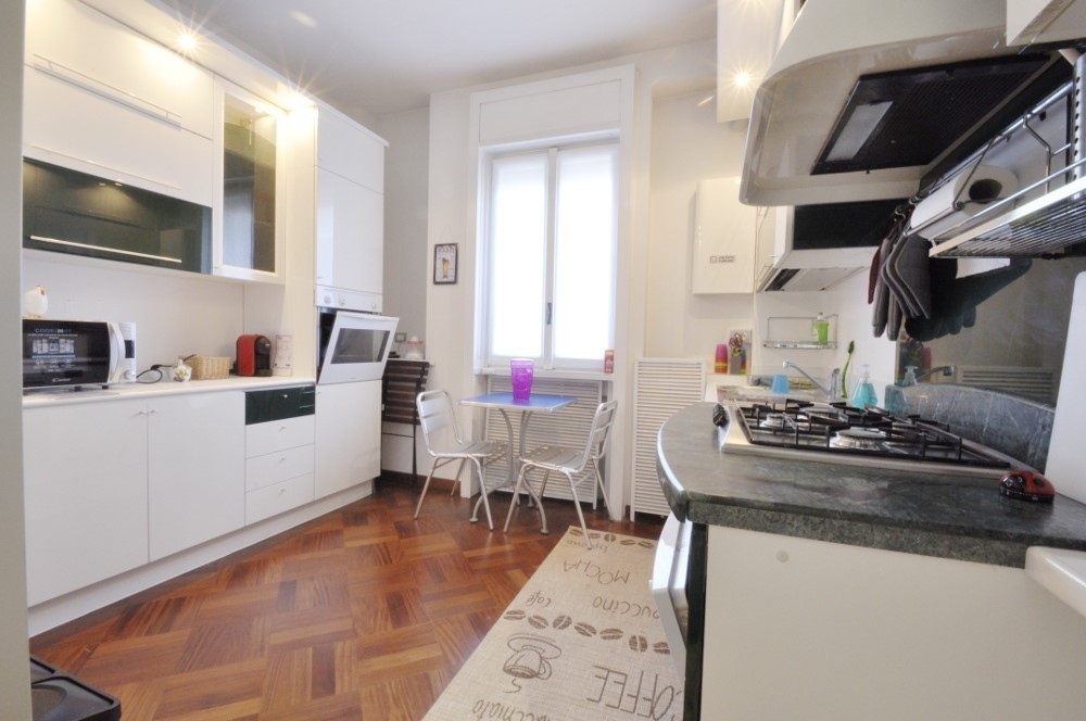 Marangonirent: Large flat with 4 independent suites and a shared kitchen