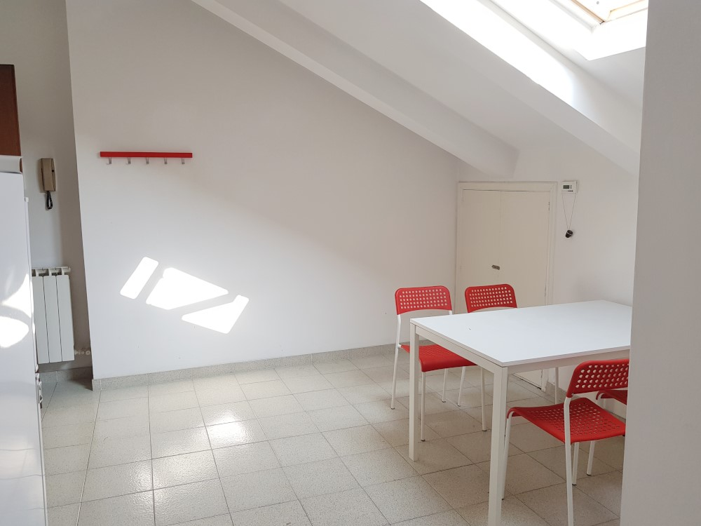 BocconiRent: Studio flat at the top floor
