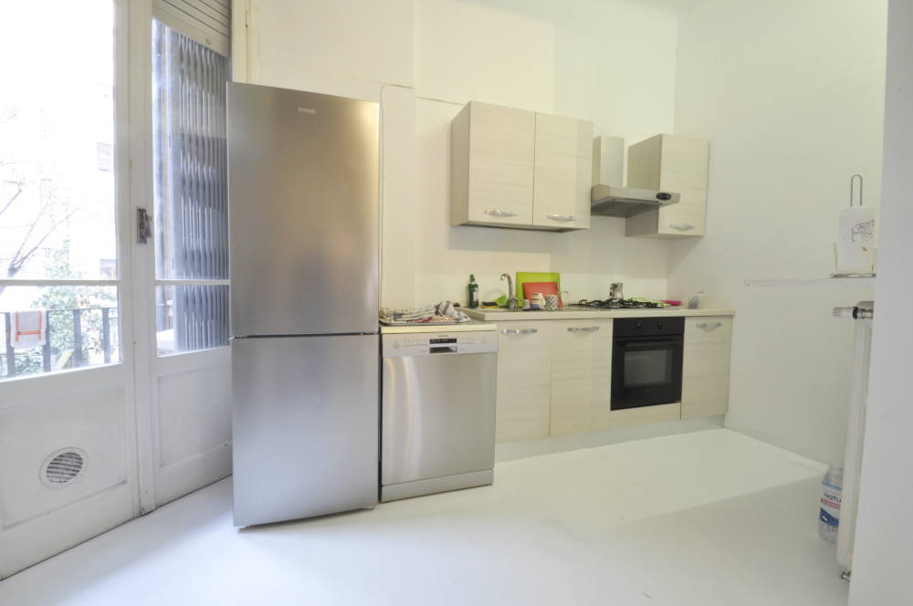 BocconiRent: Large flat at the end of Corso Italia, ideal for students and young professionals