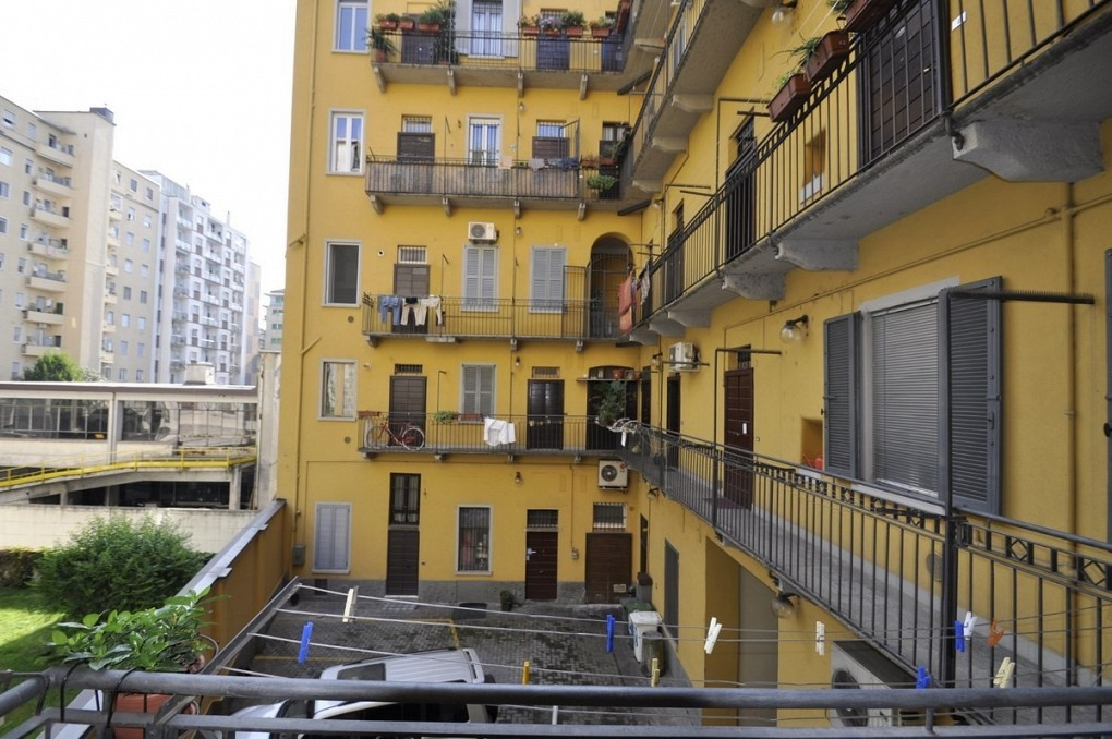 BocconiRent: Small One Bedroom flat in Viale Bligny, located in the closest place to Bocconi