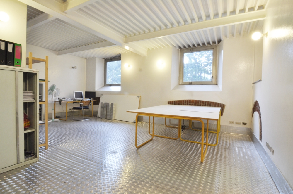 Office Rent Milan: Indipendent office space within a professional coworking in Brera