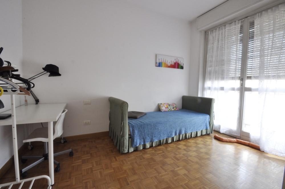 Marangonirent: Furnished Two Bedrooms flat along the Navigli