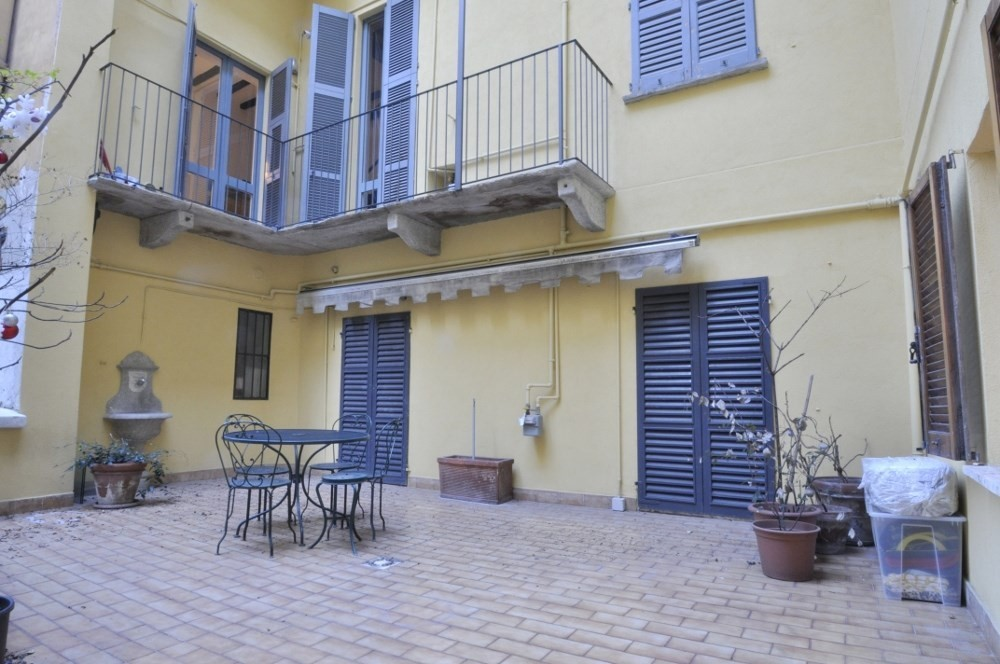 BocconiRent: Small one bedroom flat with terrace in the heart of Brera