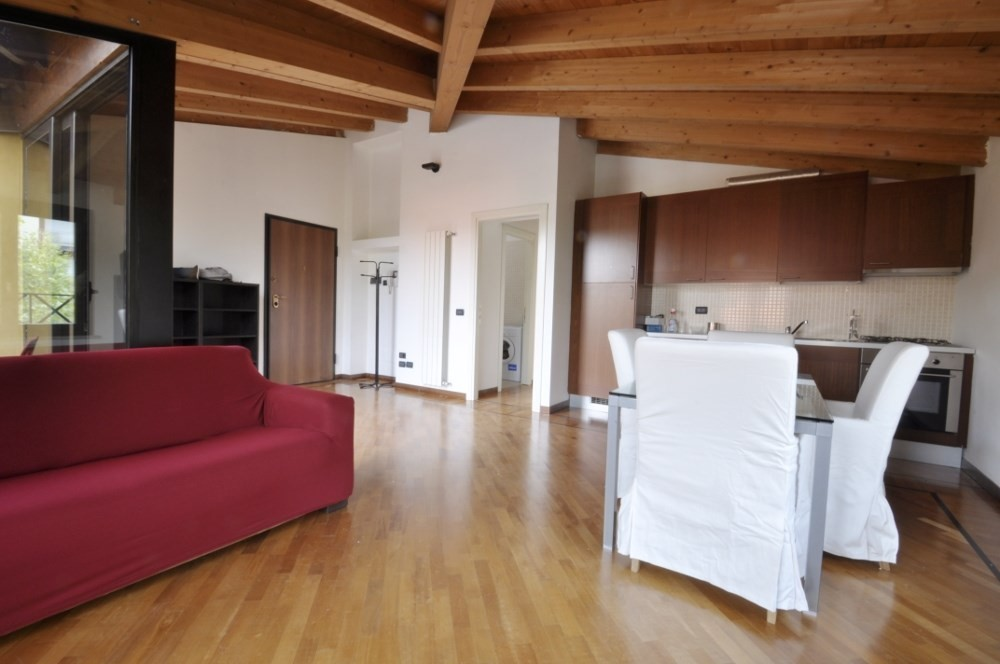 BocconiRent: Two bedrooms flat with terrace next to Bocconi