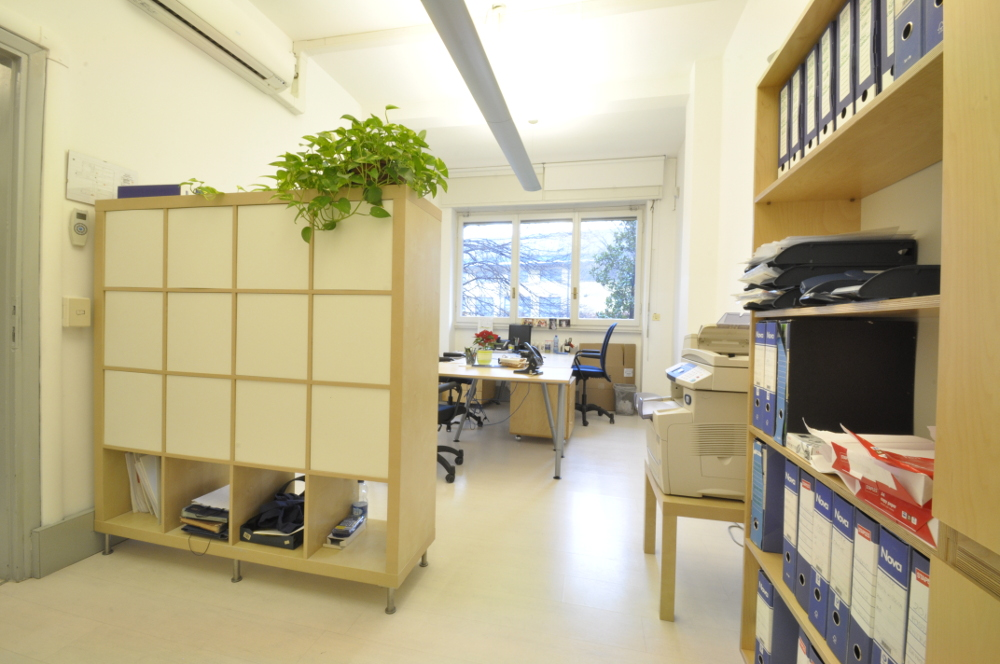 Office Rent Milan: Renovated office space in Tortona