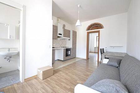 Marangonirent: Newly renovated flat few minutes walk from Bocconi