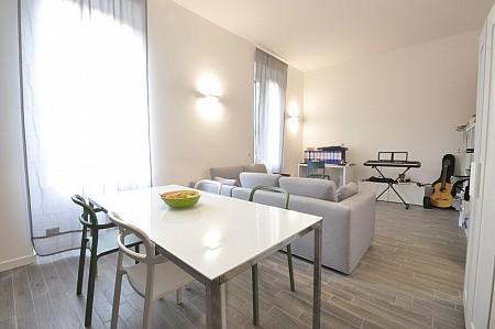 Marangonirent: Large two bedrooms flat next to MM Lodi