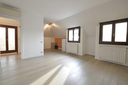 Marangonirent: One Bedroom penthouse in Corso Indipendenza