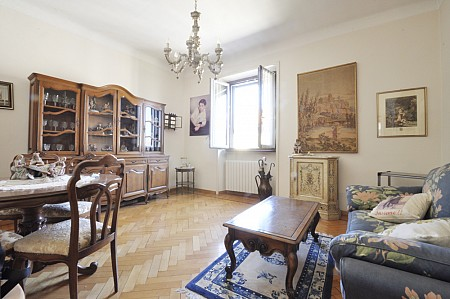 Marangonirent: Small Two Bedrooms flat in the Paolo Sarpi Area