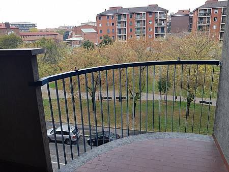 Elegant small two bedrooms flat in the Bocconi Area