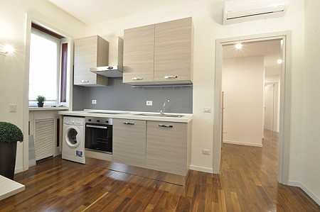 Newly renovated flat with four bedrooms