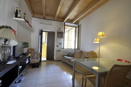 One Bedroom flat located in ancient courtyard, few steps from NABA and BOCCONI