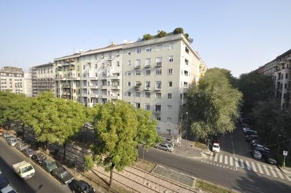 Fully renovated Top floor one bedroom flat in Porta Venezia