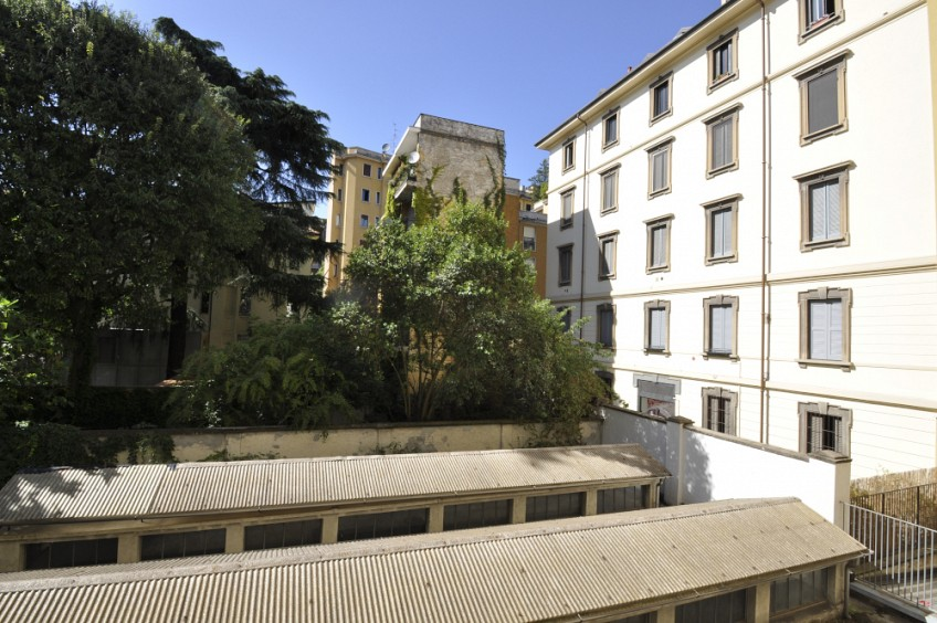 Renovated two bedrooms flat next to Arco della Pace